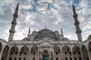 Мееть Султанахмет в Стамбуле Sultanahmet camii
