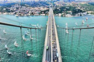 Босфорский мост в Стамбуле