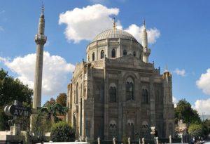 Мечеть Пертевнийаль Валиде Султан (Pertevniyal Valide Sultan camii)