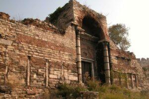 Стены Феодосия Константинополь