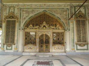 Дворец Топкапы в Стамбуле Диванная Kubbealtı (Divan-ı Hümayun)