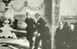 Ататюрк во Дворце Долмабахче