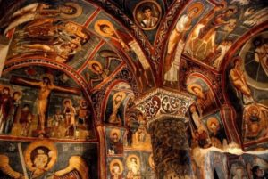 Karanlik kilise Темная церковь Каппадокия