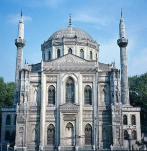 Мечеть Пертевниял Валиде Султан (Pertevniyal Valide Sultan camii)