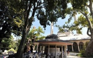 Мечеть Атик Валиде (Atik Valide Camii)