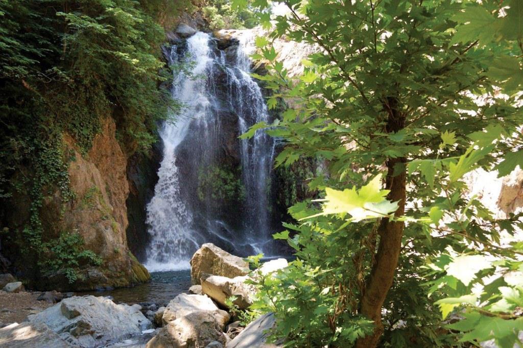Водопад в Ялова