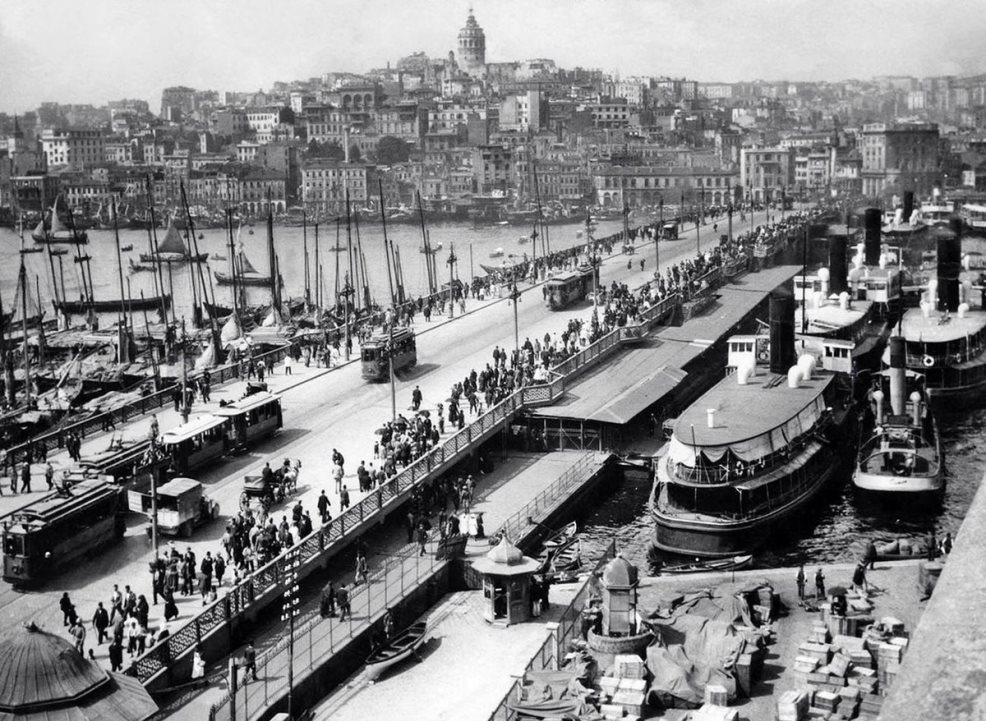Старый Галатский мост в Стамбуле