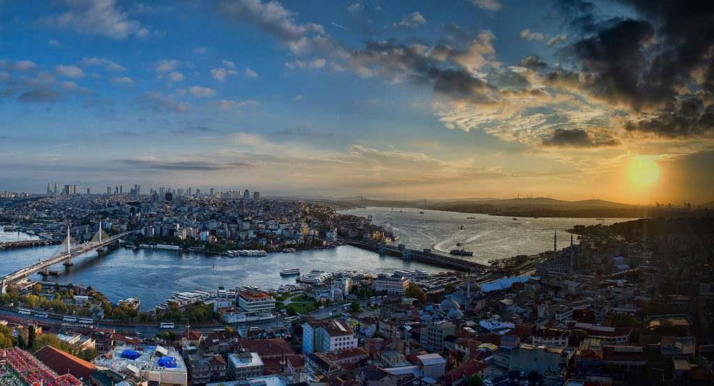 Бухта Золотой Рог Стамбул